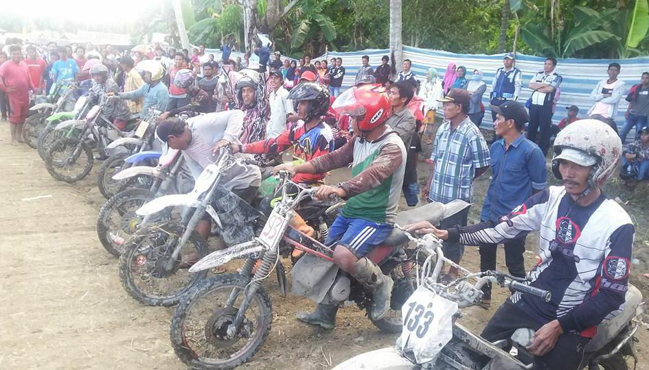 Bupati Dukung Penuh Ivent Motocross Dan Grasstrack Ojek Padi Sawah