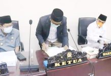 Pemda dan Pimpinan DPRD Tandatangani Raperda APBD Tahun 2021